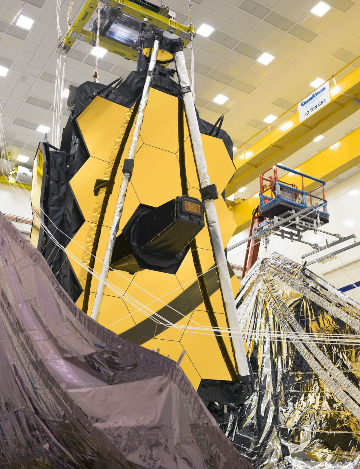 NASA successful test the folding of the Webb Telescope Sunshield