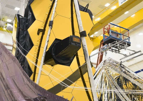 NASA successful test the folding of the Webb Telescope Sunshield